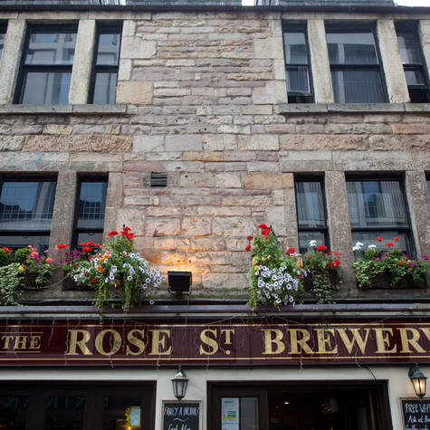 The Colorful Pubs of Edinburgh