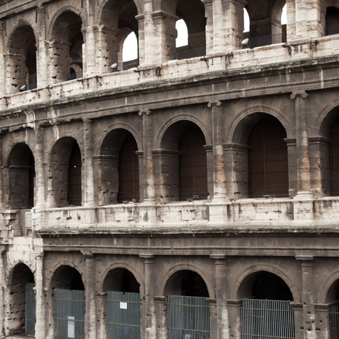 Exploring Rome – The Roman Forum and Colosseum